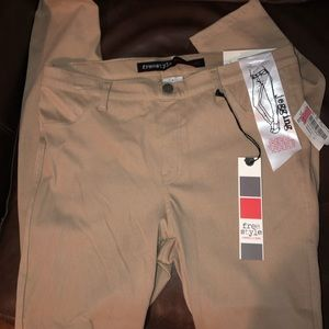 BRAND NEW FREESTYLE REVOLUTION BRAND TAN JEGGINGS